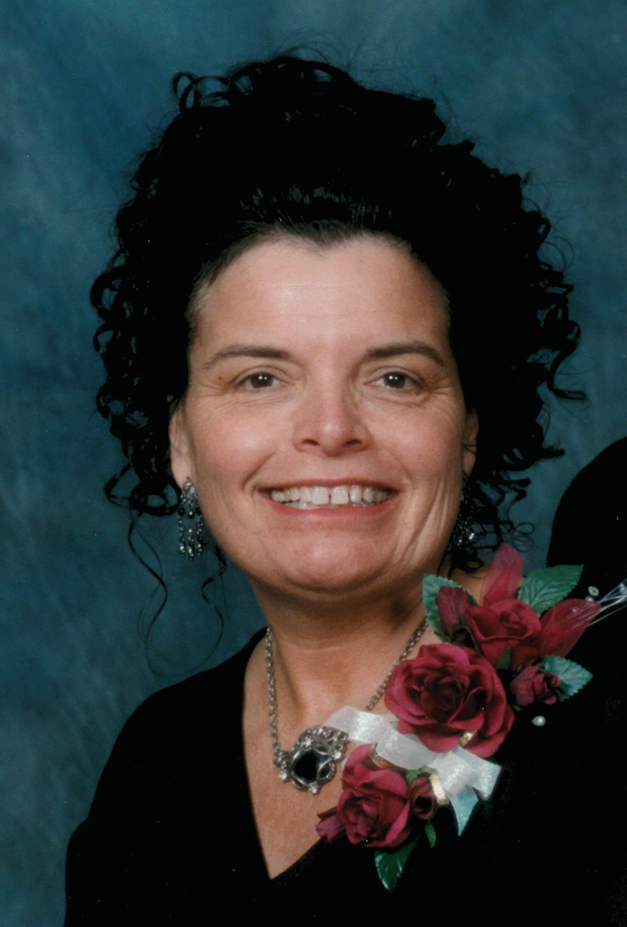 Elizabeth  Laurie  Traeger