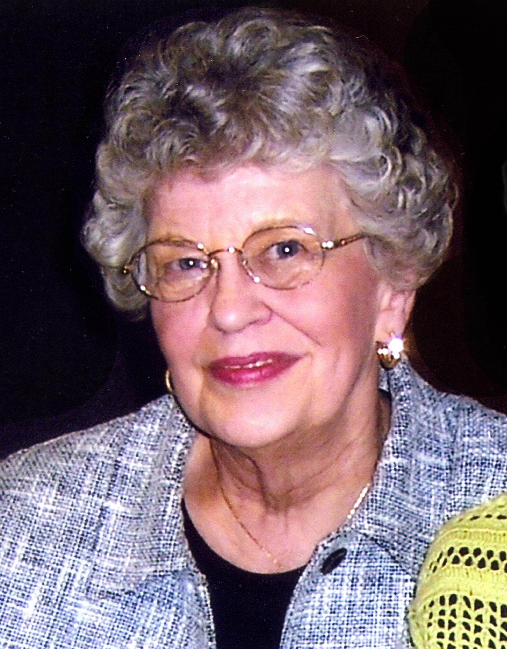 Ruth E Levisen