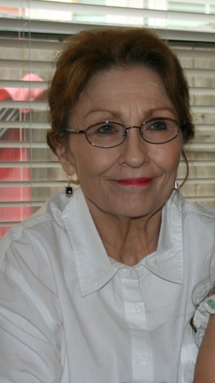 Darlene G Davis