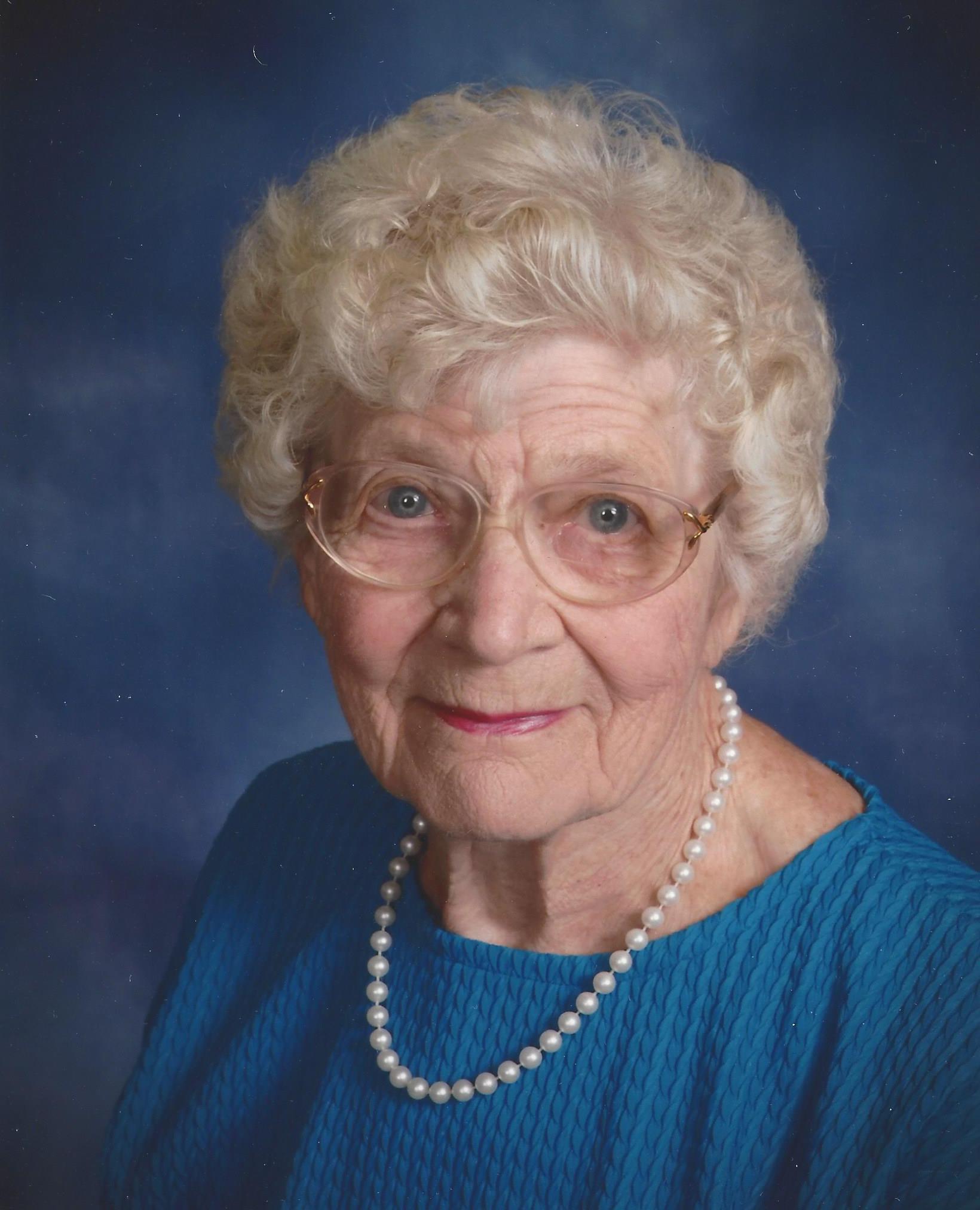 Joyce Evelyn Kraker