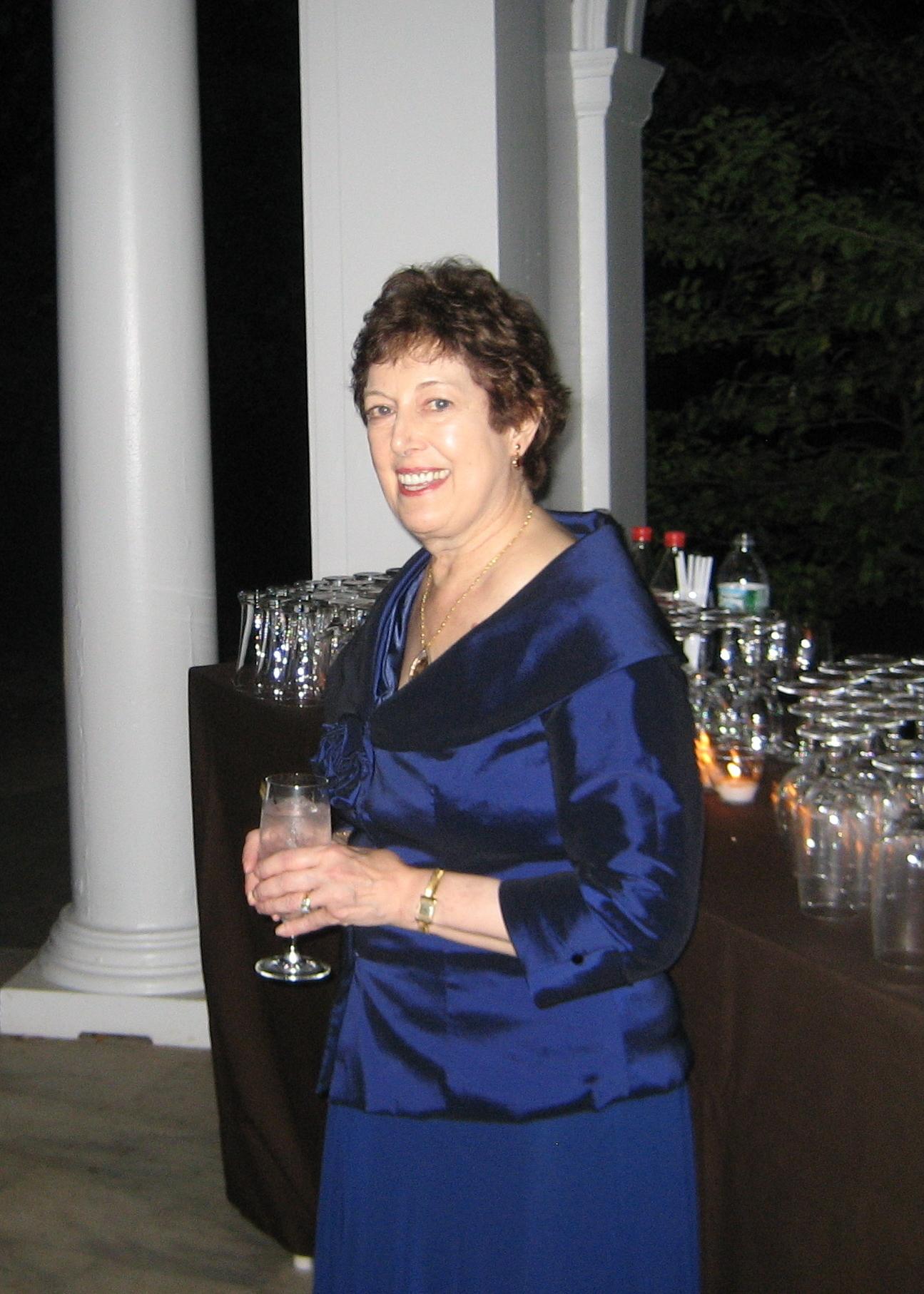 Annette Caroselli French