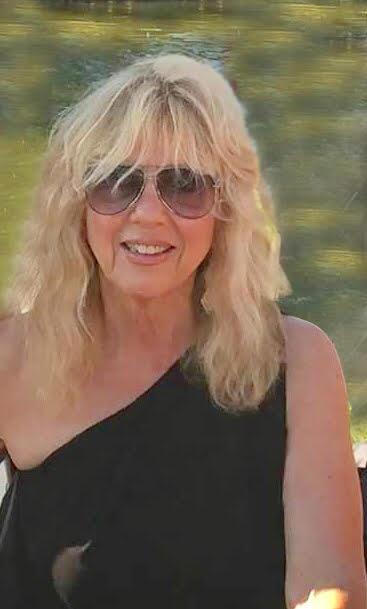 Carolyn  Del Curto Infante