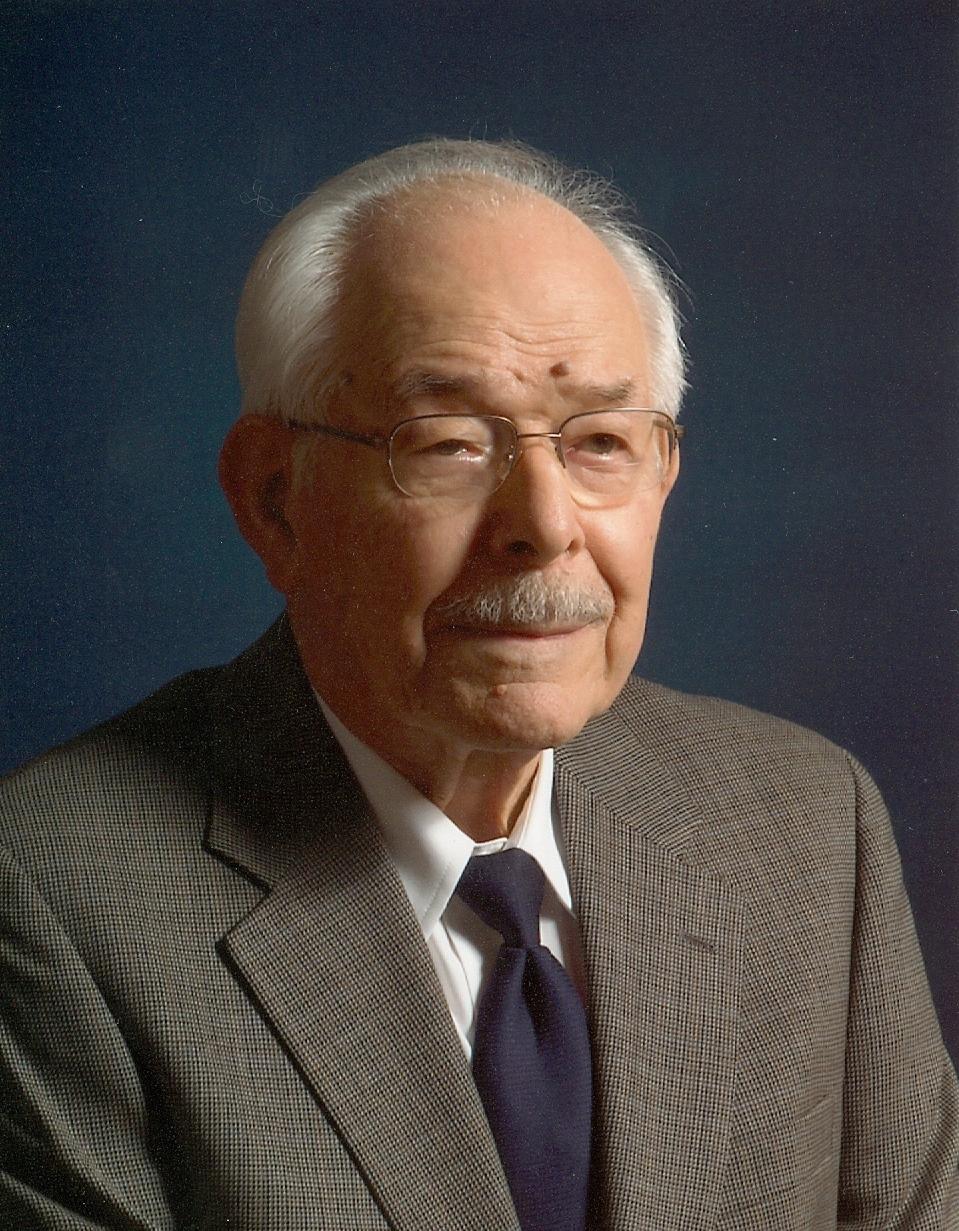 Leslie  James Litzer