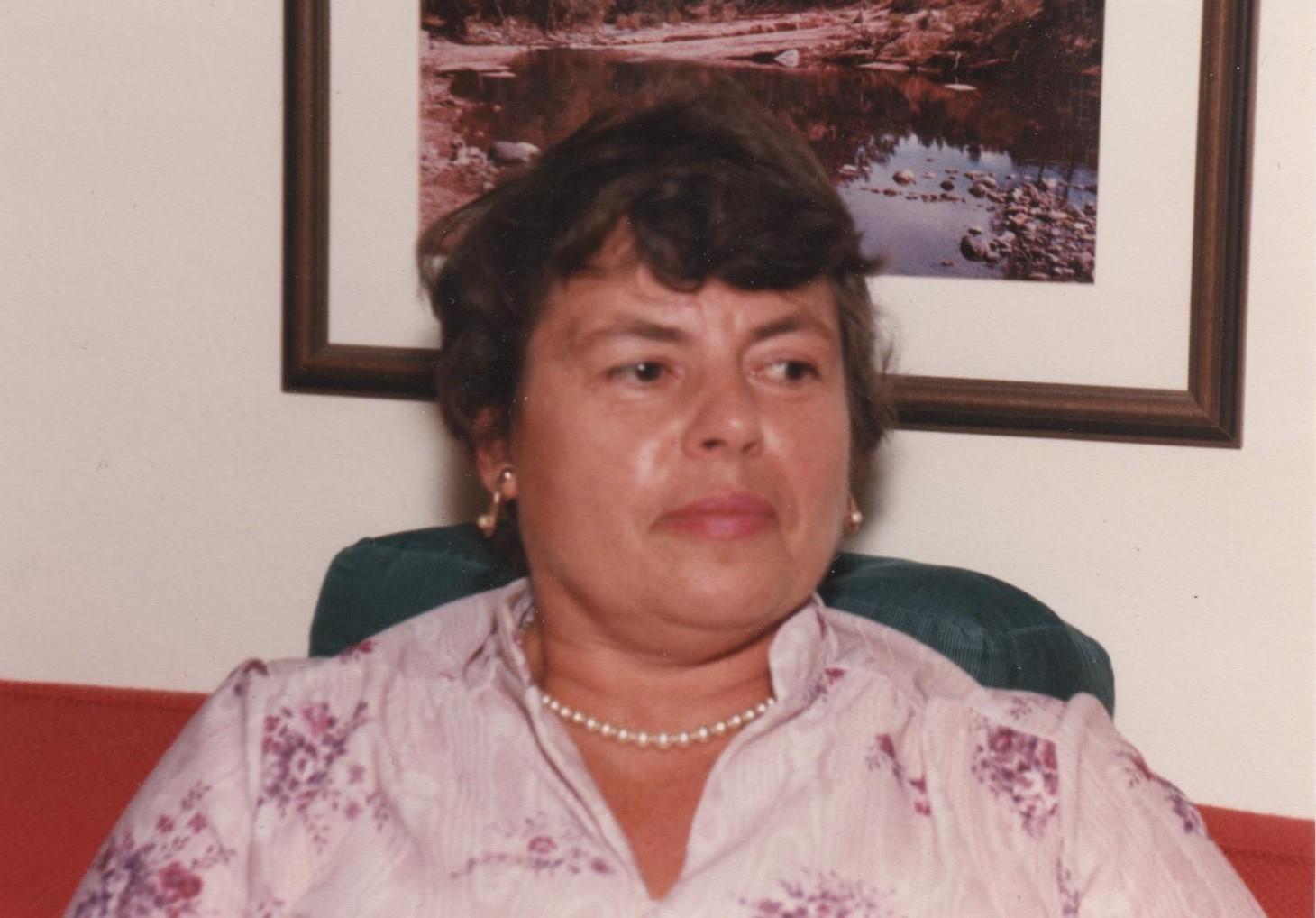 Mary Frances  Knoll