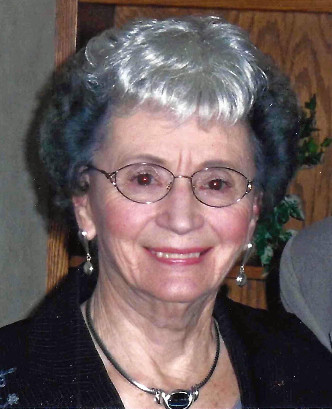 Verna Mae  Dennis