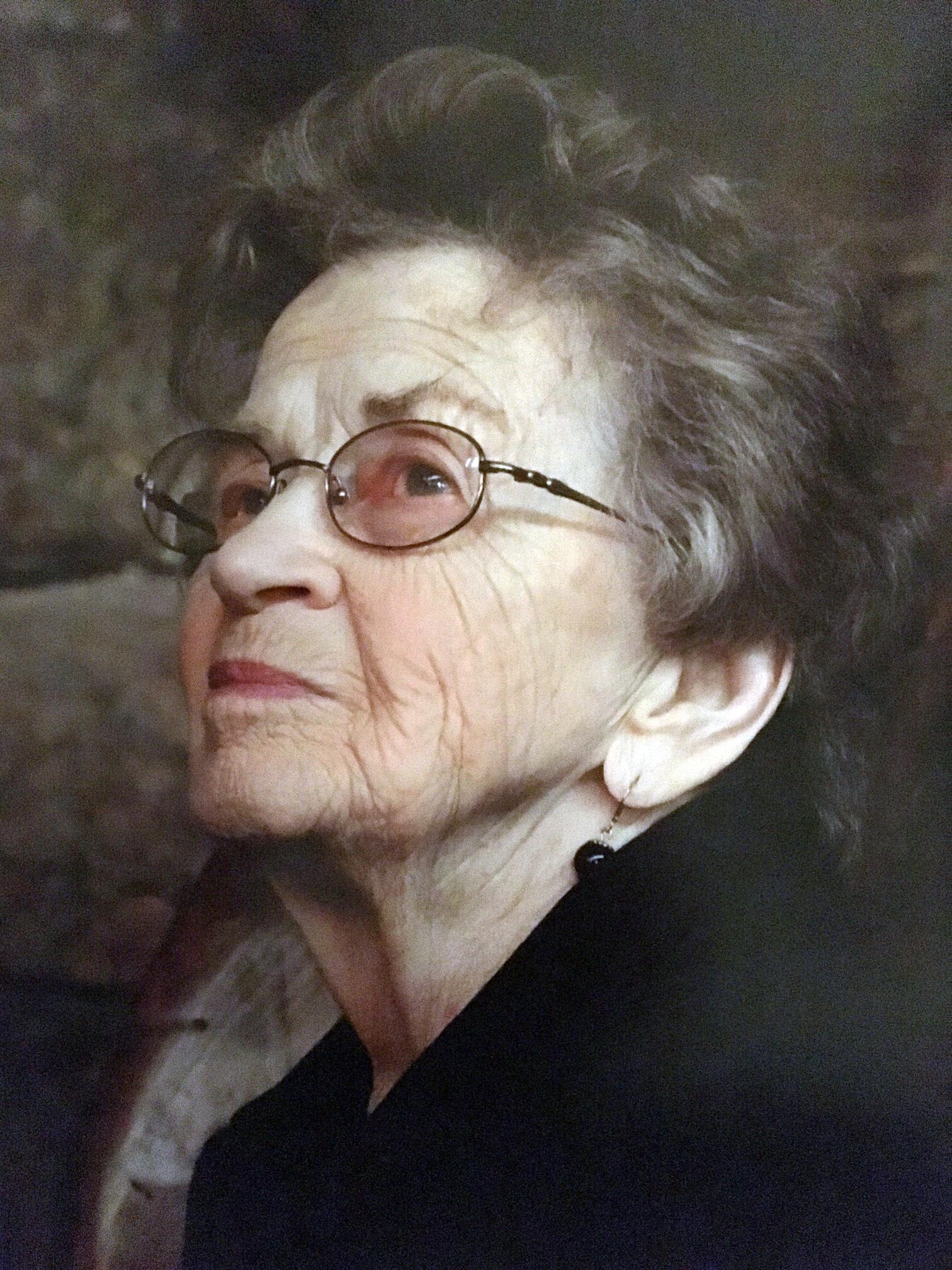 Eleanor  Lois Renando