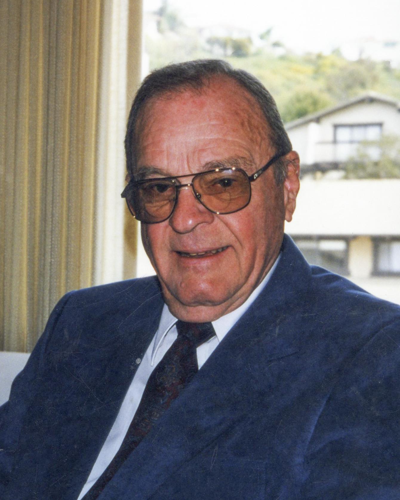 Howard Devlin