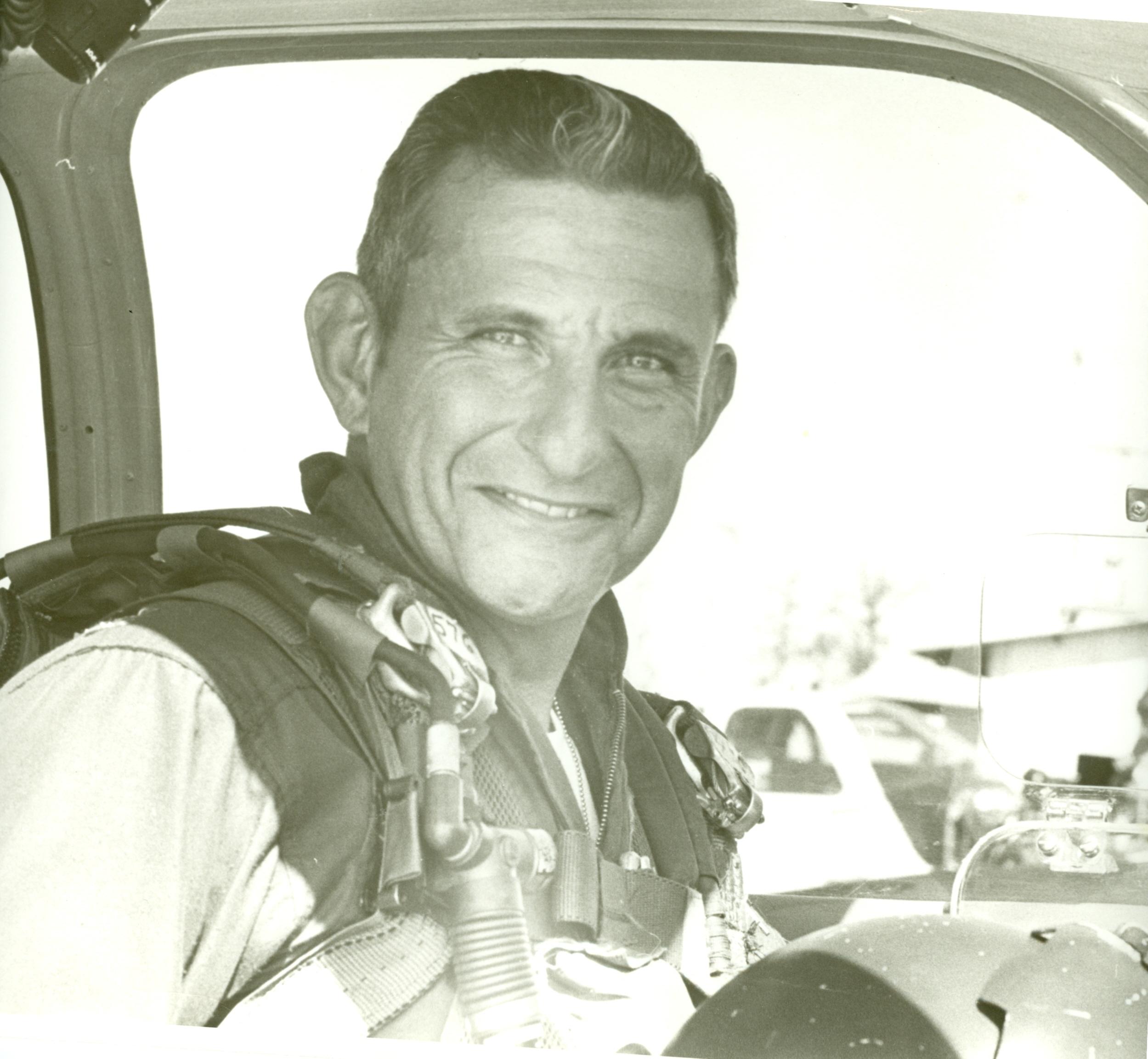 Albert M Navas