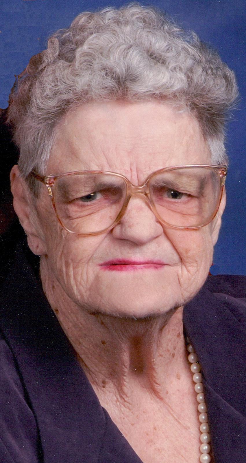 Lillian Laura Mae  Monday