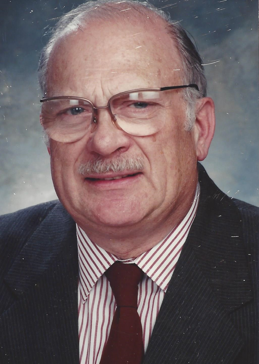 Dr. Gerald Saunders Feldman