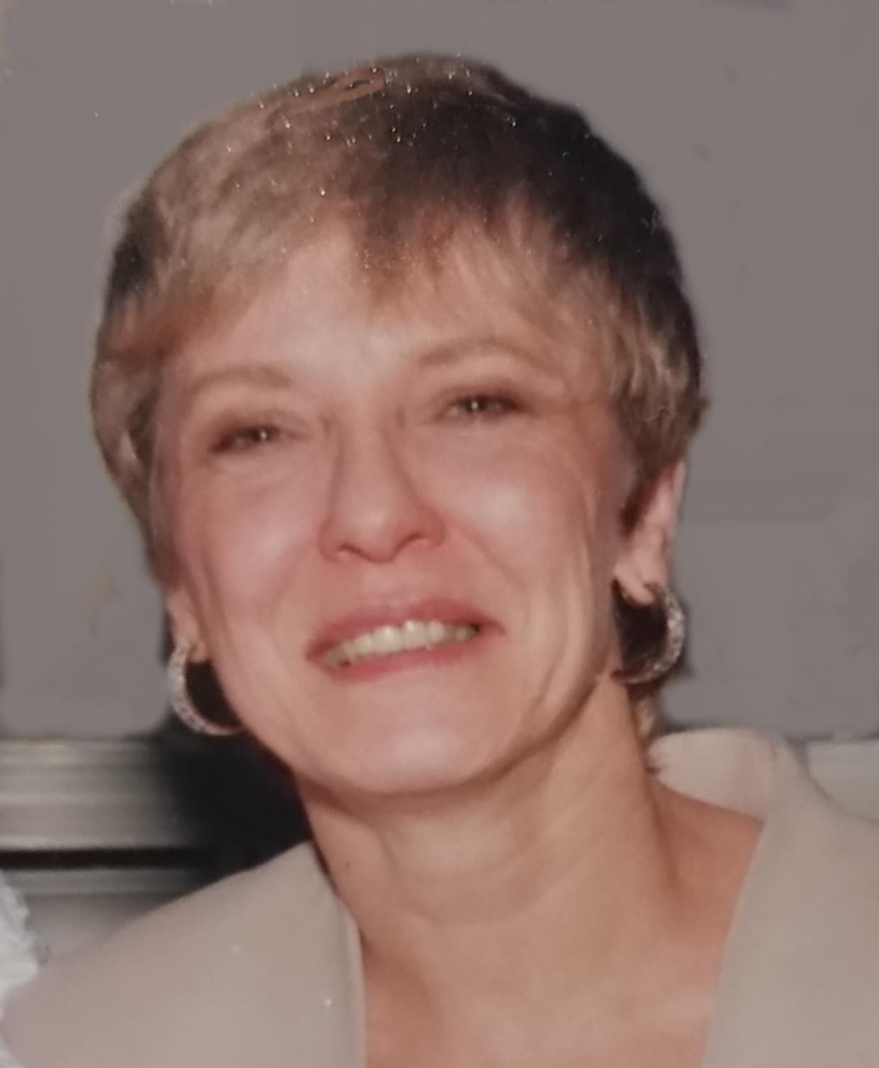 Susan E Cardinale