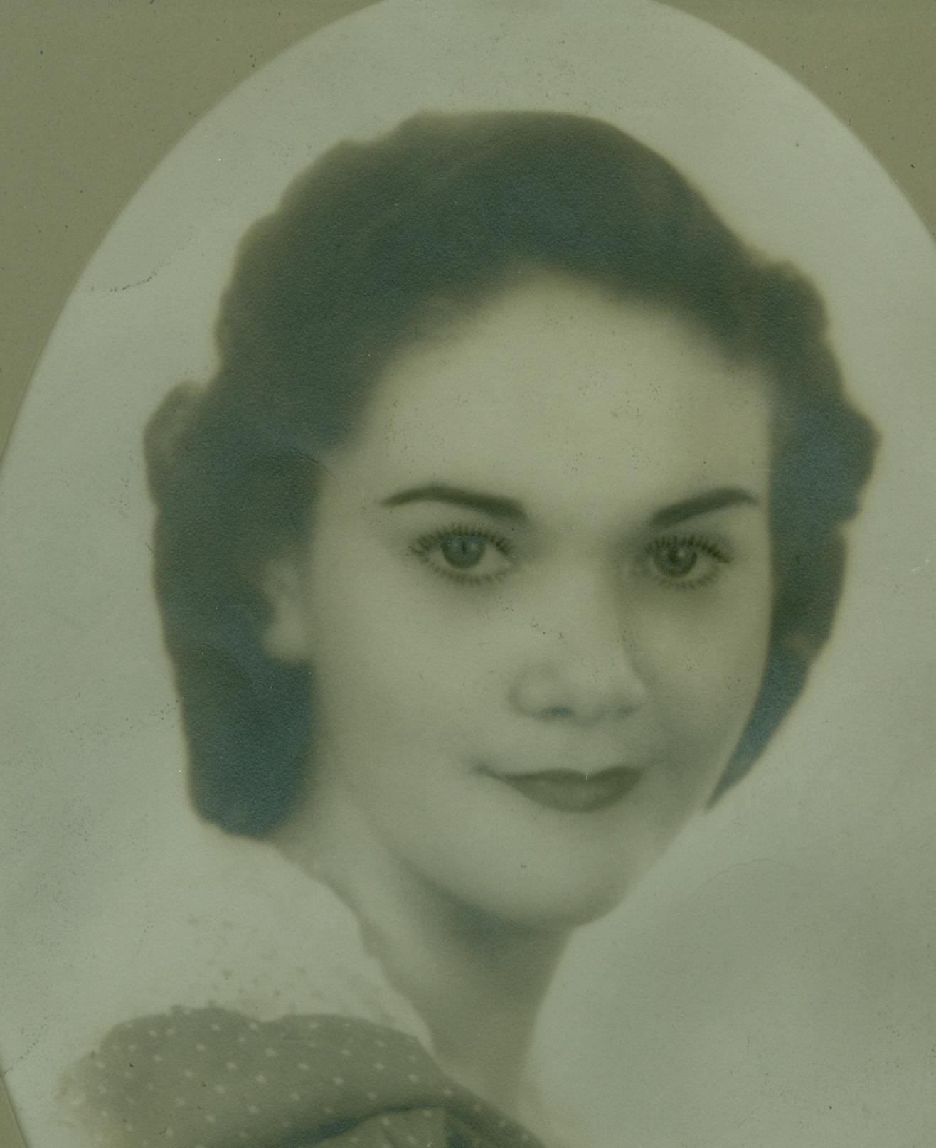 Leona  Bruce