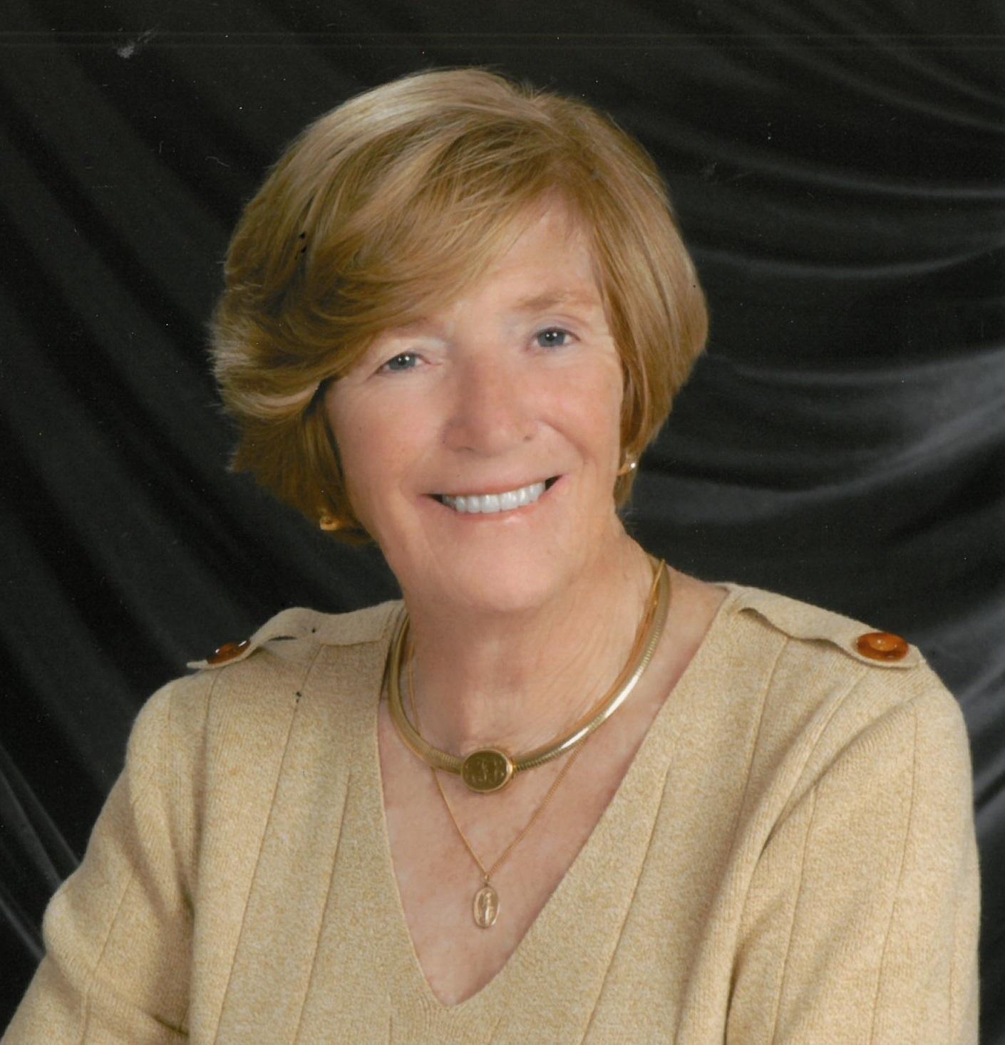 Eileen  Elizabeth Favata