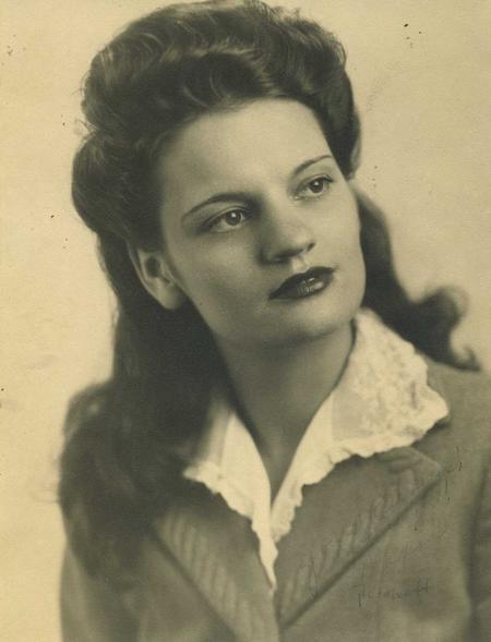 Maxine  Bullock