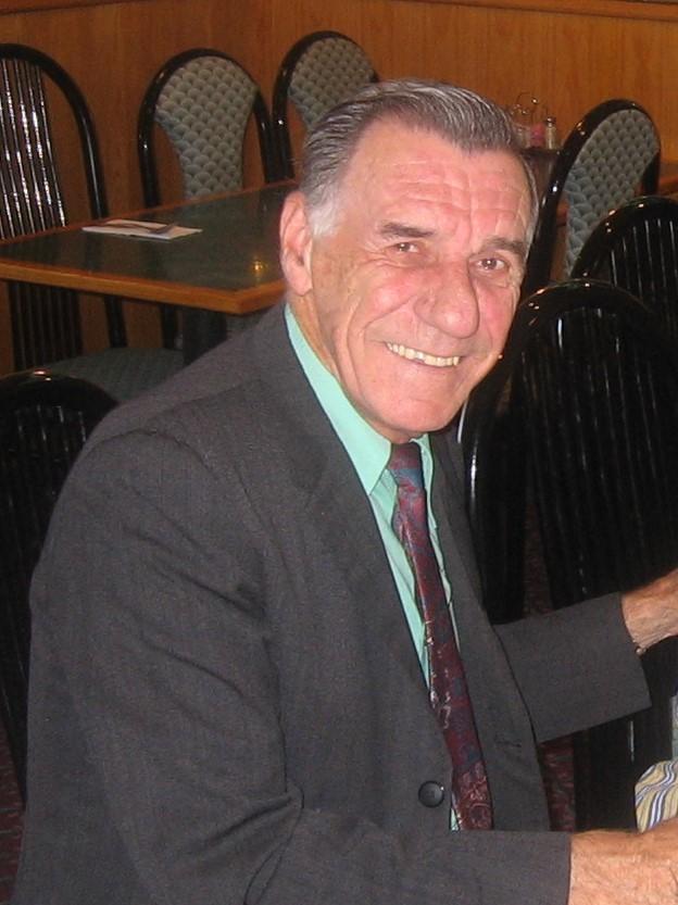 Renato V Metzger