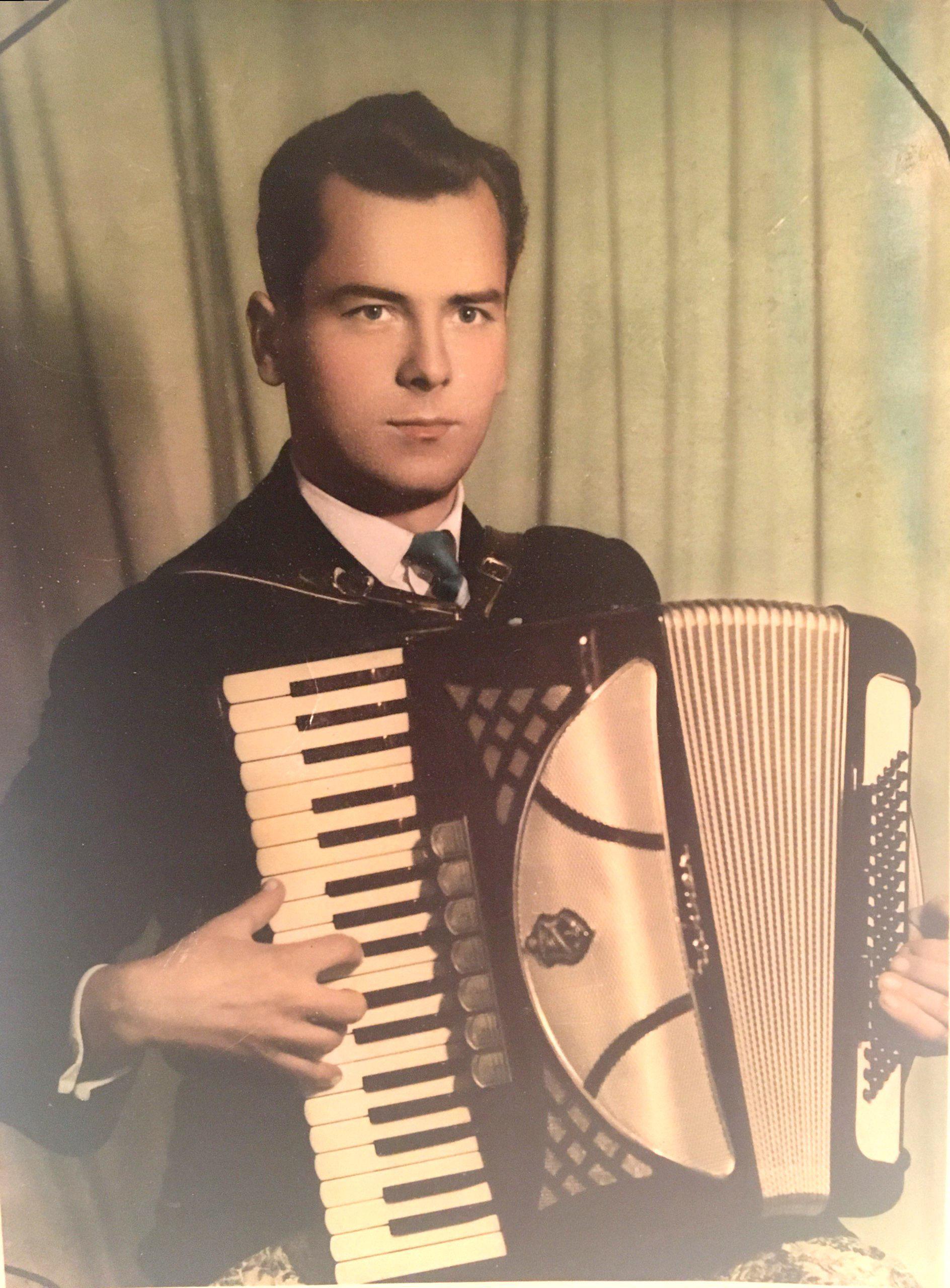 Mladen  Nikolovski